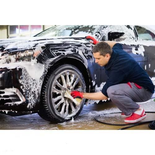 Rửa xe ô tô đúng cách tại nhà vừa tiết kiệm chi phí, vừa đảm bảo an toàn